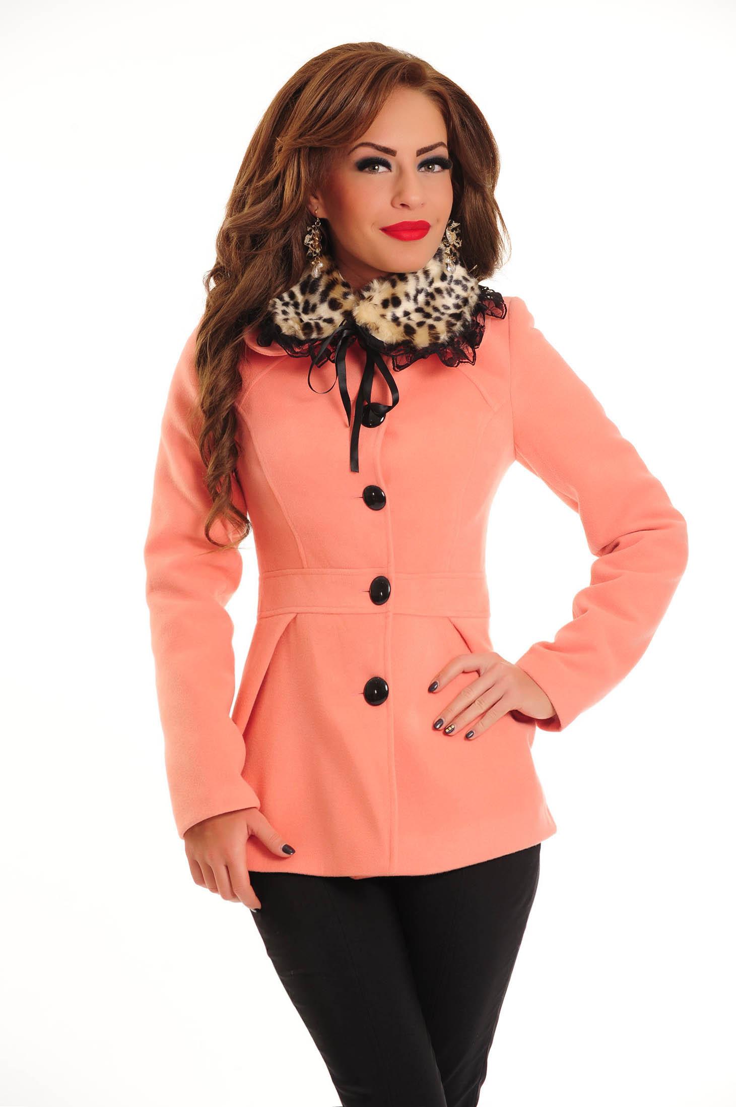 LaDonna Leo Collar Rosa Coat