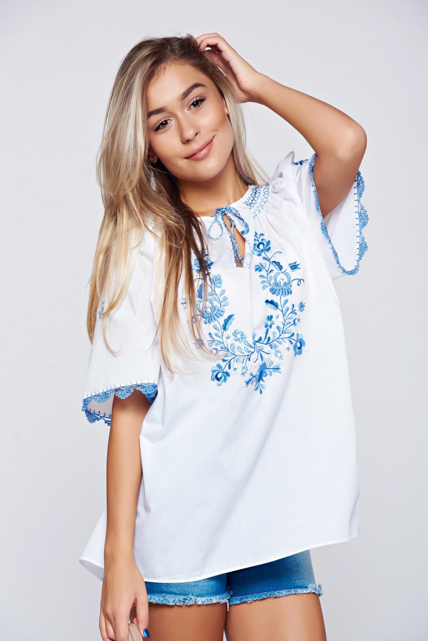 Bluza dama albastra brodata din bumbac cu croi larg