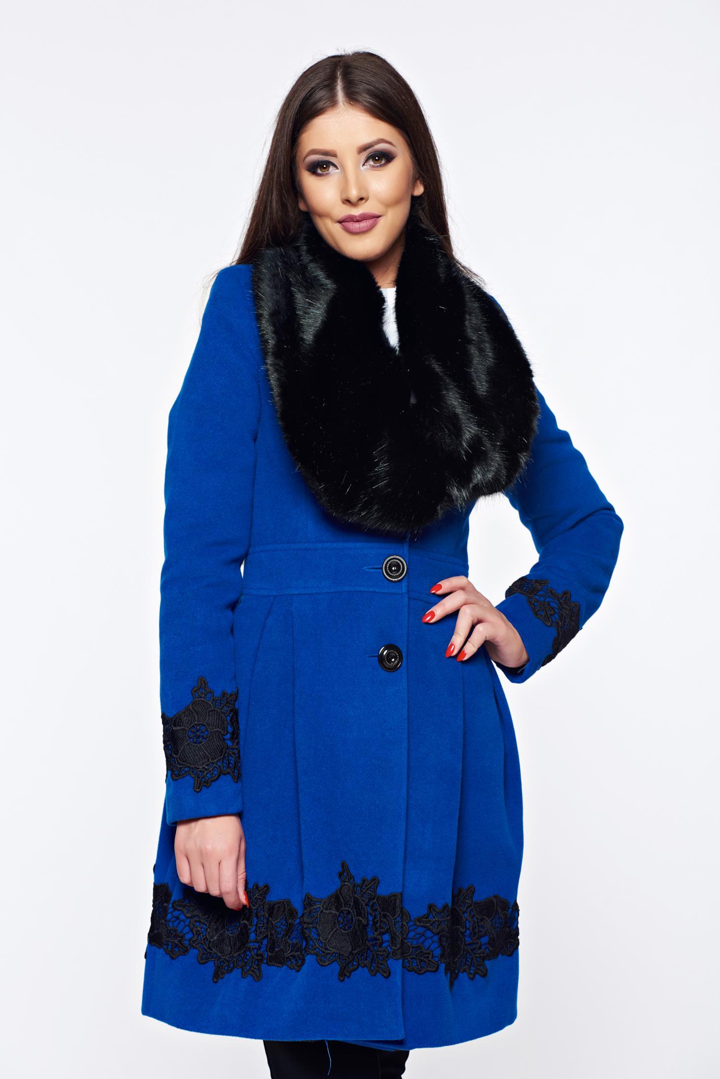 Palton LaDonna albastru elegant in clos cu insertii de broderie