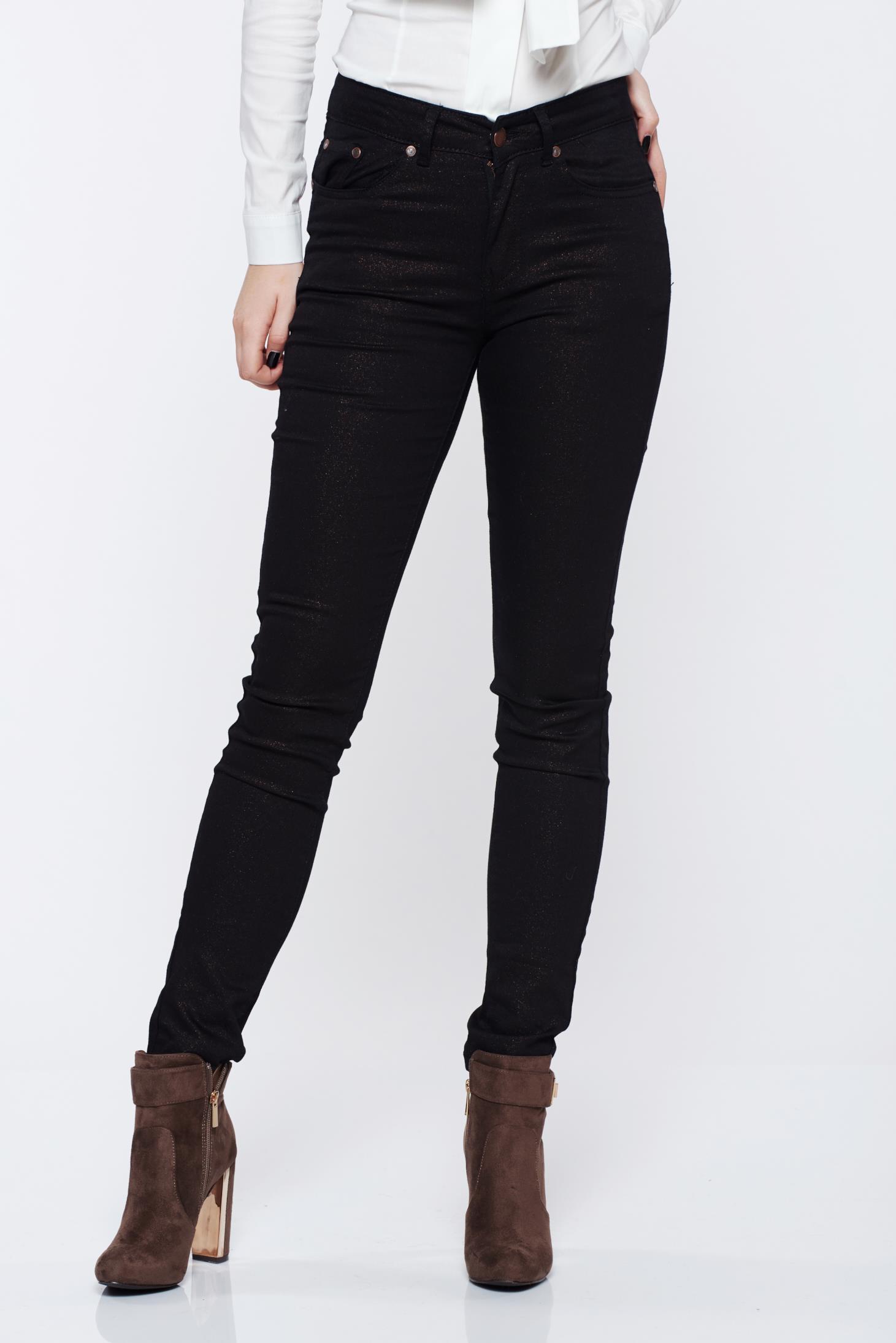 Pantaloni Top Secret negri casual conici cu buzunare in fata si in spate