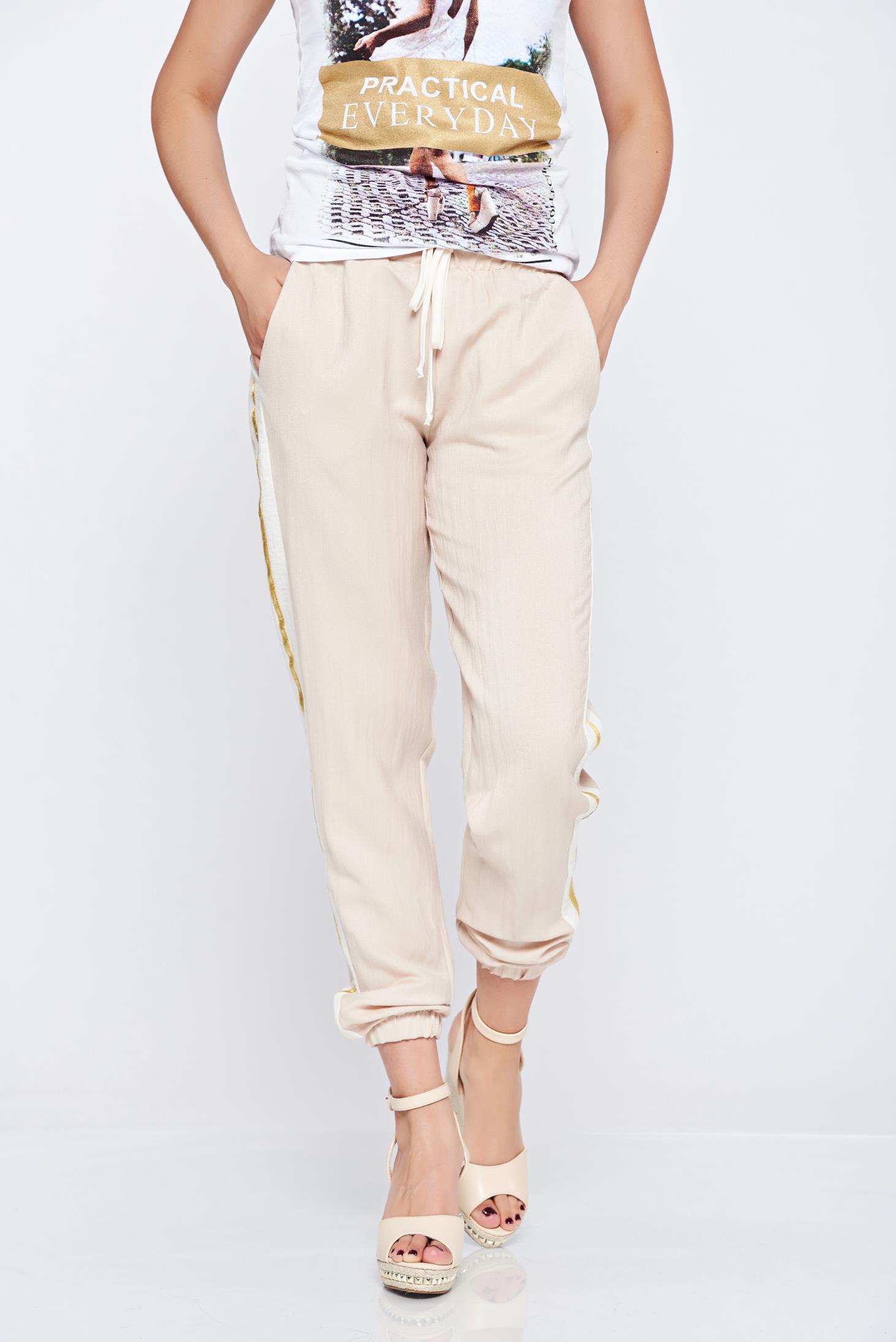 Pantaloni casual cu buzunare PrettyGirl nude cu dungi verticale