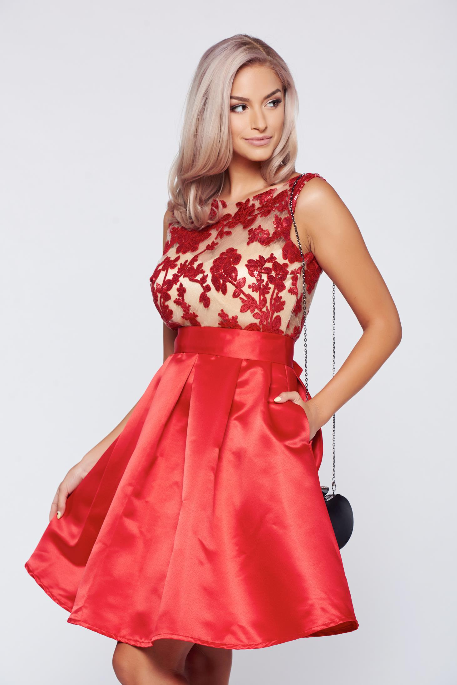 Rochie Fofy rosie de ocazie cu buzunare din material satinat