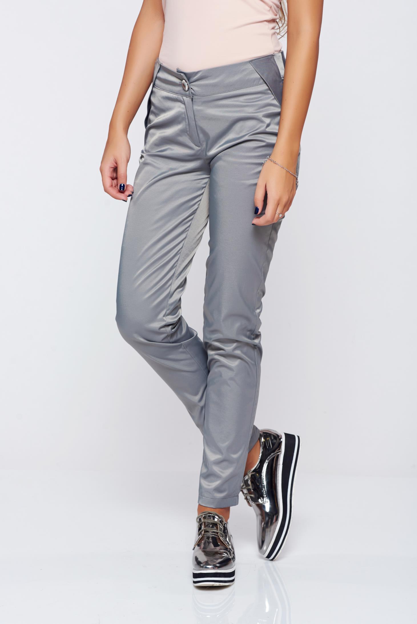 Pantaloni PrettyGirl gri conici cu talie medie cu aspect satinat
