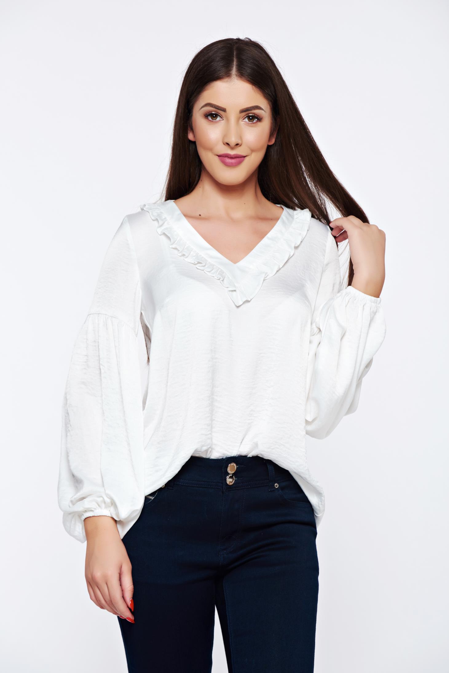 Bluza dama LaDonna alba eleganta din material satinat cu decolteu in v