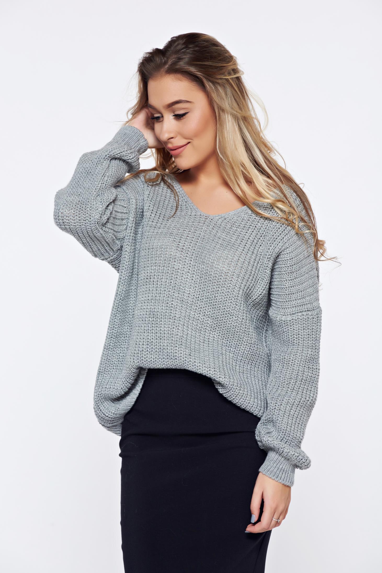 Pulover gri casual tricotat cu spatele decupat accesorizat cu snur