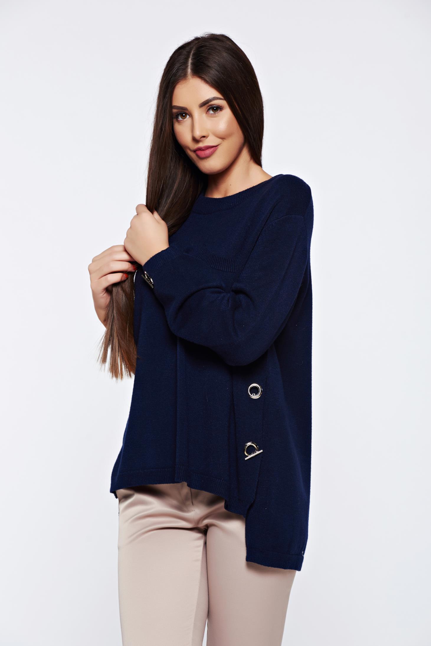Pulover albastru-inchis casual tricotat cu croi larg