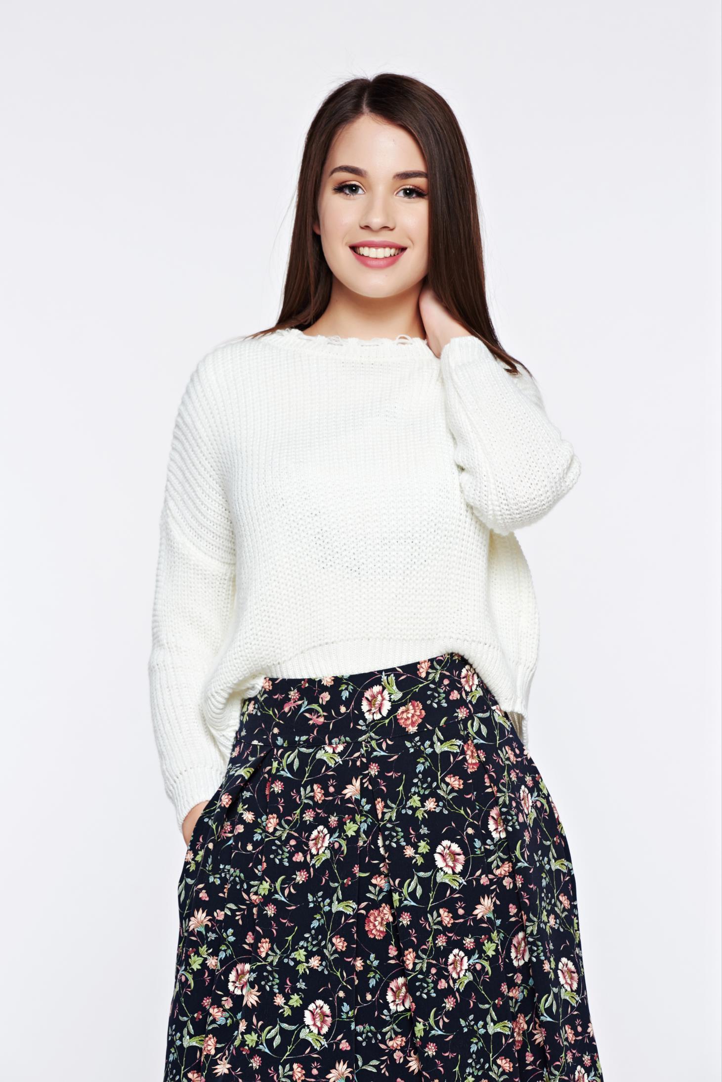 Pulover alb casual tricotat cu tiv decupat