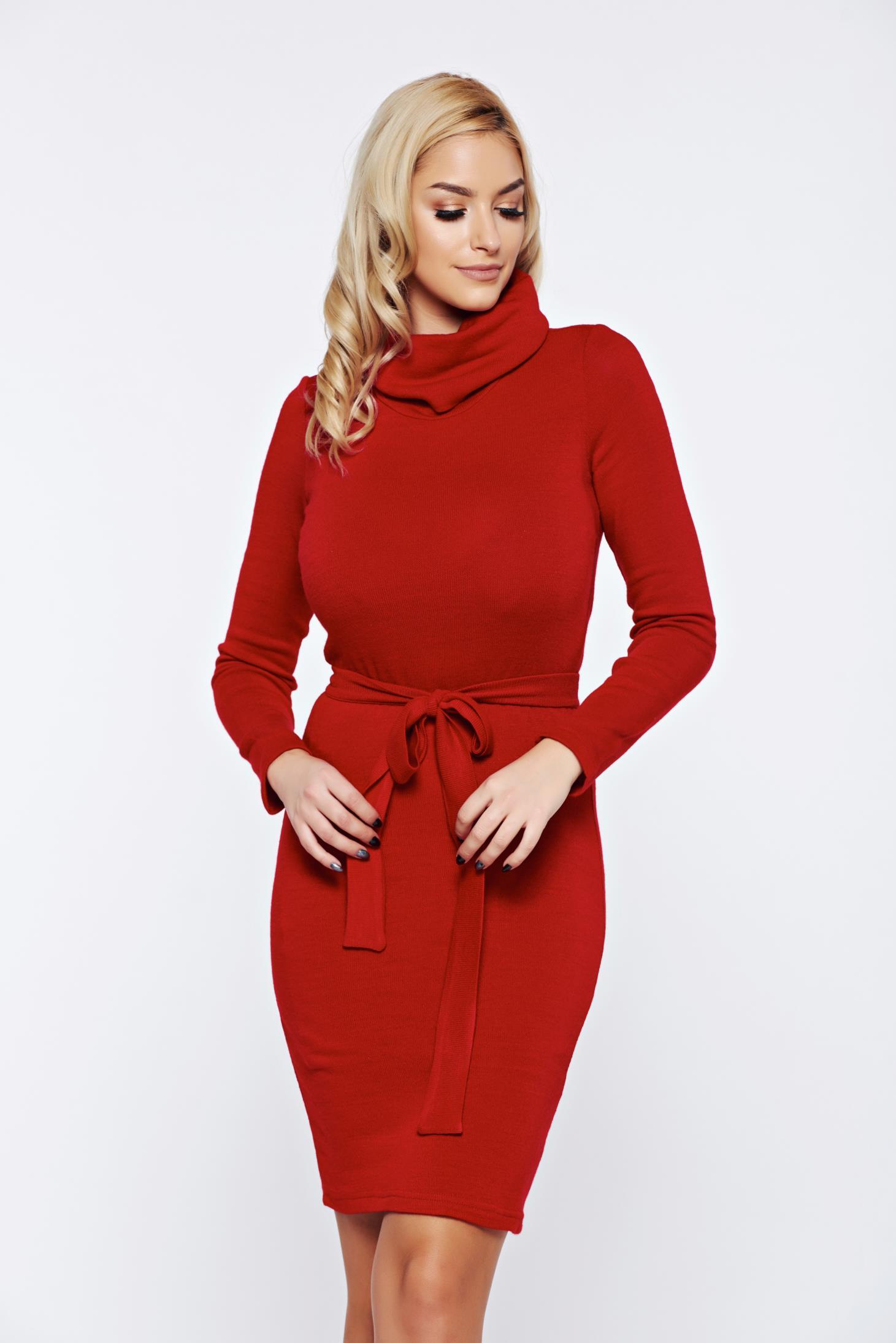 Rochie PrettyGirl rosie casual tricotata accesorizata cu cordon