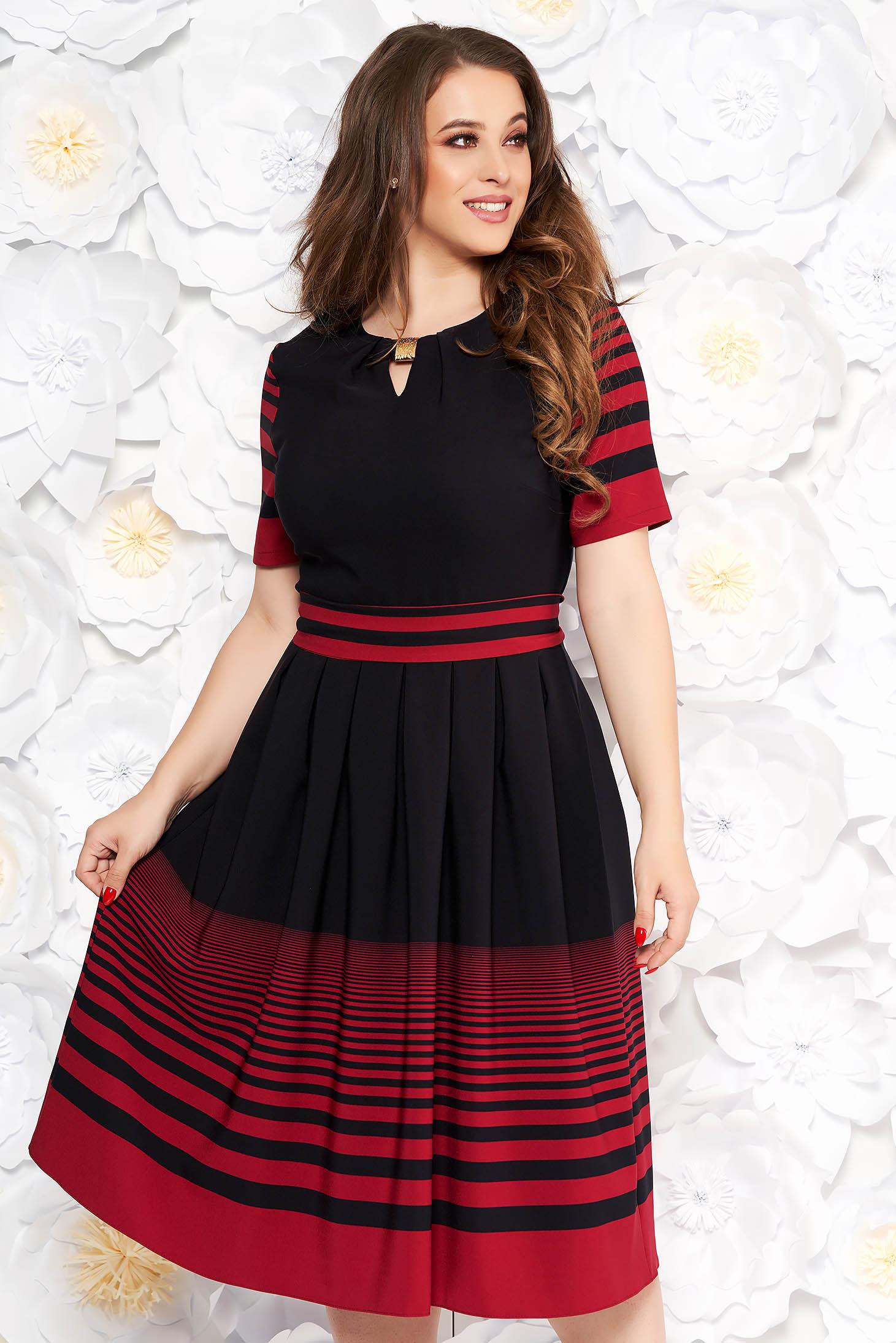 Fekete hétköznapi midi harang ruha vékony anyag rugalmas anyag övvel ellátva